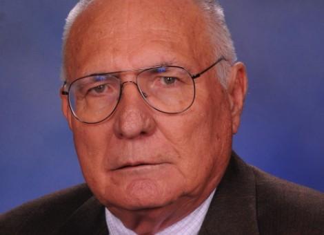 Profesor Cliff Roberson