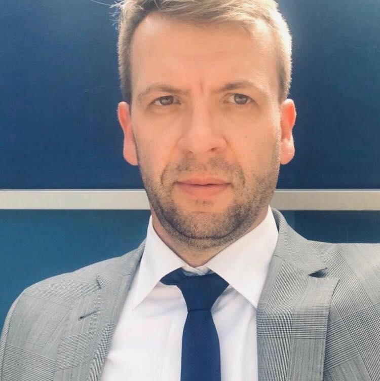 dr hab. Piotr Chomczyński